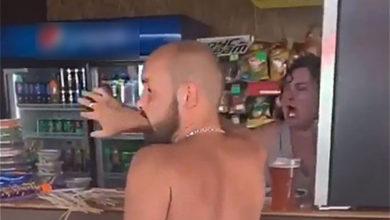 Photo of В Сочи разъяренная барменша забросала туристов бокалами