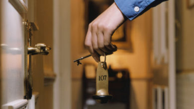 Photo of Бизнес просит изменить правила заселения несовершеннолетних граждан в отели